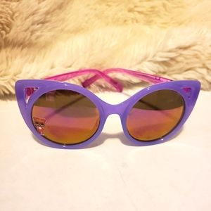 LOL Sunglasses. Lavender. Pink. Girls. Women.